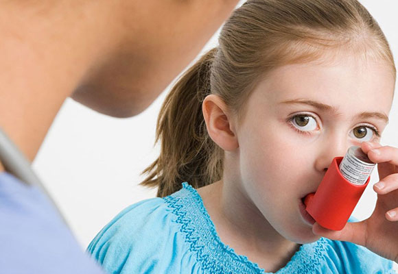 Применение ингалятора для лечения простуды у детей