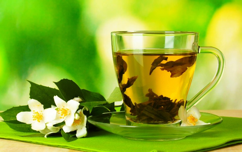 Чашечка с зеленым чаем