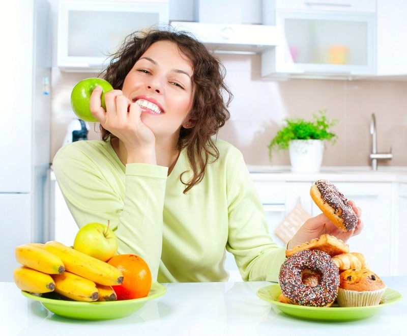 Начинать контролировать уровень холестерина в организме, у женщин, необходимо начиная от 30 лет