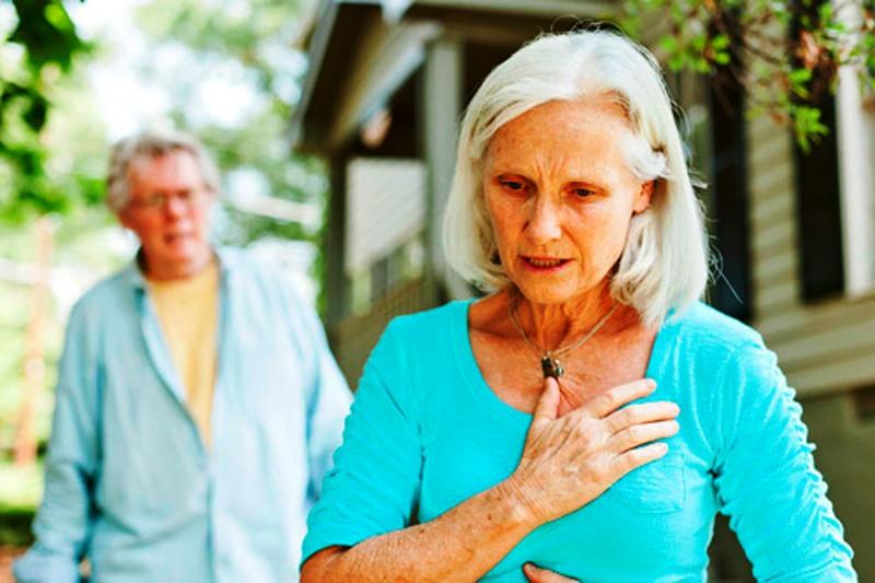Приступ у пожилой женщины