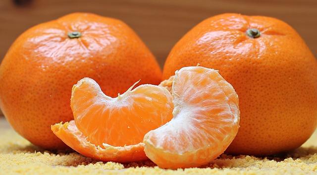 сочные дольки мандарина