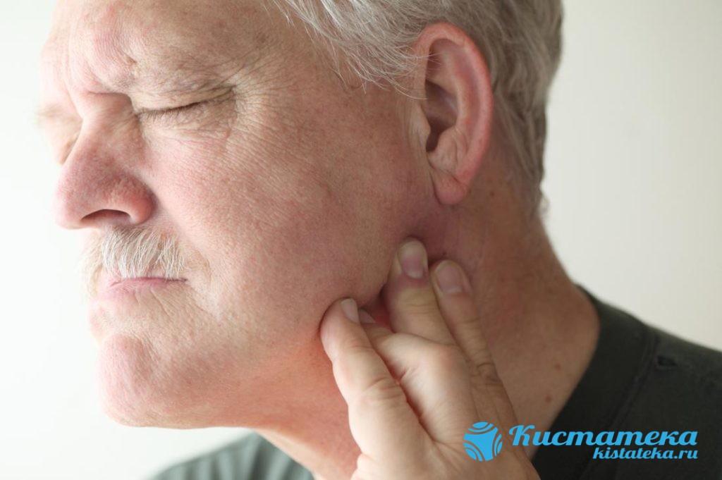 Опуоль на начальны этапа может не приносить неудобств и дискомфорта