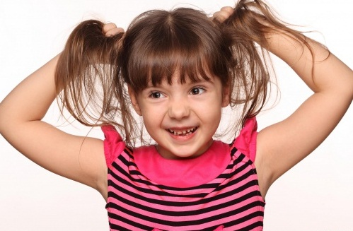 когда лучше стричь волосы первый раз ребенку