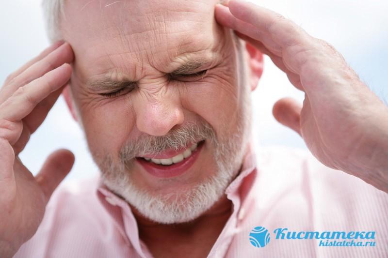 Формирование ретроцеребеллярной ликворной или араноидальной кисты головного мозга вызывает головокружение, ощущение усталости, боль в голове