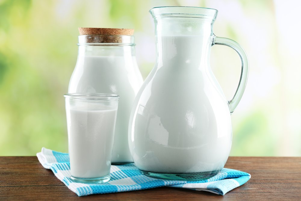 Есть ли холестерин в молоке и можно ли употреблять продукт при высоком холестерине?