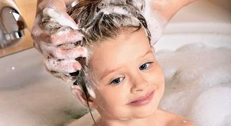 как мыть волосы ребенка
