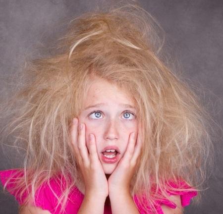Почему путаются волосы у ребенка?