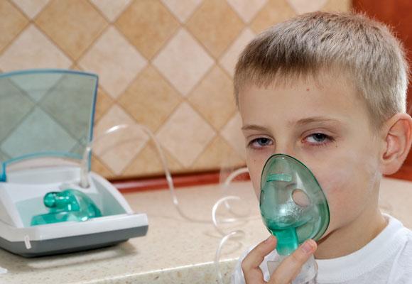 Ингаляция с лекарством ребенку