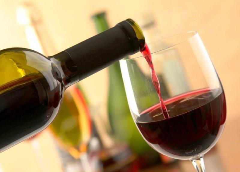 Умеренное употребление вина полезно для здоровья!
