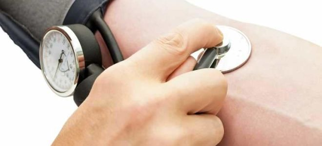 Почему повышается давление при остеохондрозе шейного отдела?