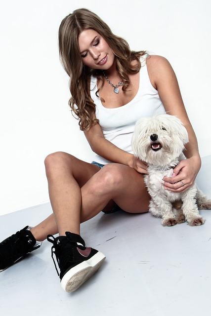 девушка с псом
