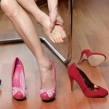 Тесная и неудобная обувь
