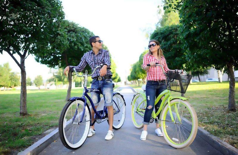 Велосипедная прогулка парке