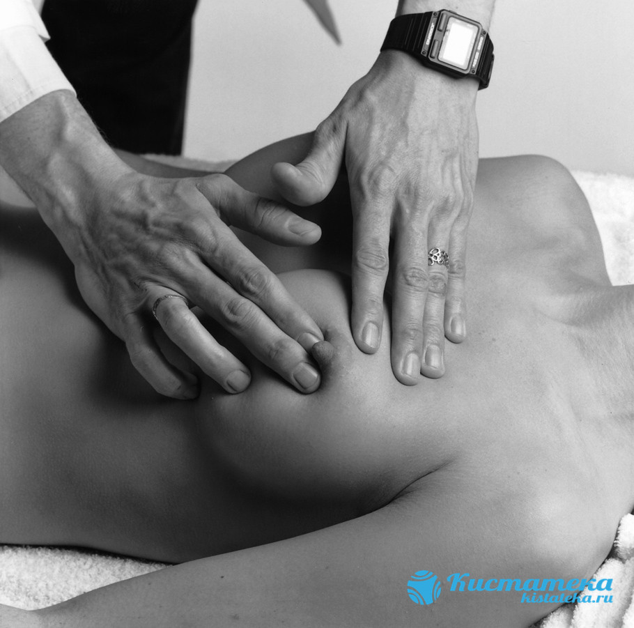 Пальпация груди у врача