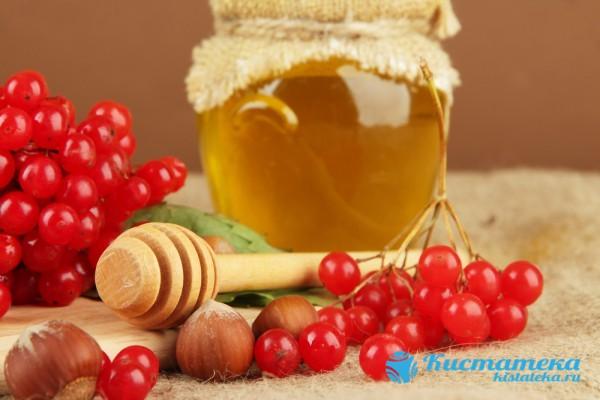 Ежедневное употребление кашицы из горсти ягод, смешанны с медом, снимет воспалительный процесс и уменьшит кисту почки в размере