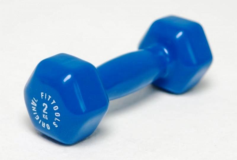 Не стоит брать лишком тяжелые гантели 2-3 кг. максимум