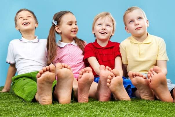 Маленькие дети очень часто натирают себе мозоли на пятках
