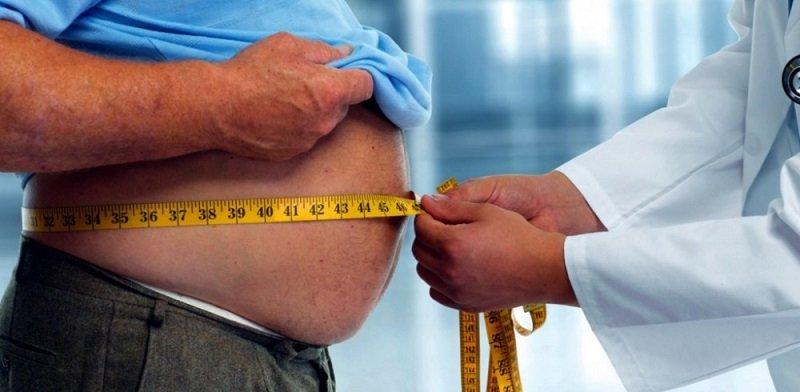 При ожирении печени представители астеничного телосложения могут самостоятельно определить увеличение органа методом пальпации.