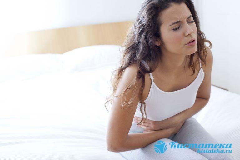 Лопнувшая киста сопровождается сильным болевым синдромом