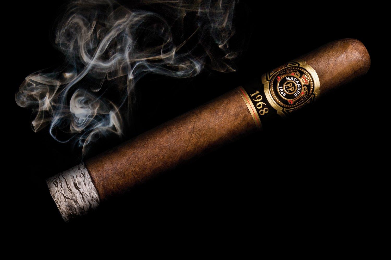 Сигары ничуть не лучше сигарет, вред одинаковый