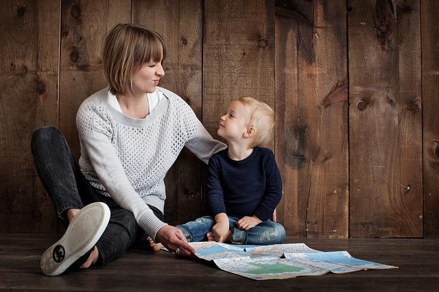 мама и мальчик