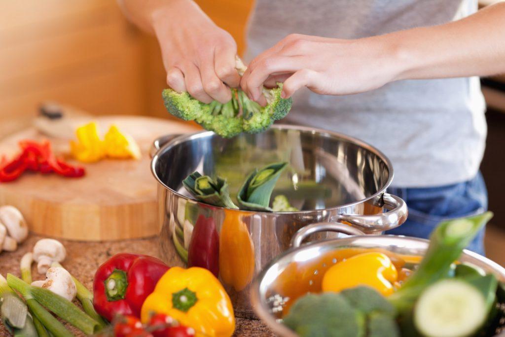 Суточное потребление белков должно быть не более 1,5 граммов на килограмм веса пациента