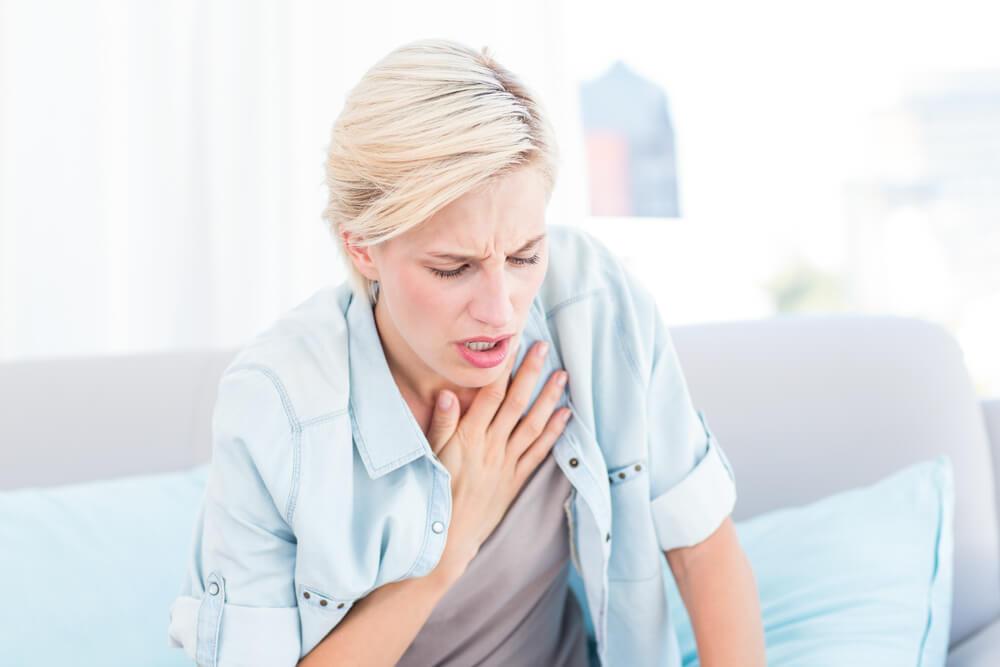 При заболевании возникает одышка и чувство нехватки воздуха