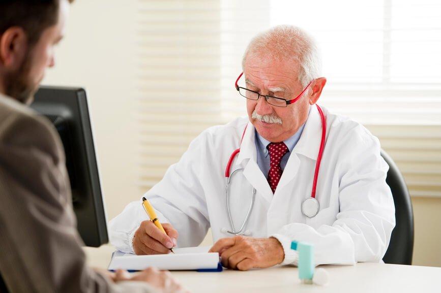 Принимать Симвастатин разрешается только с одобрения врача