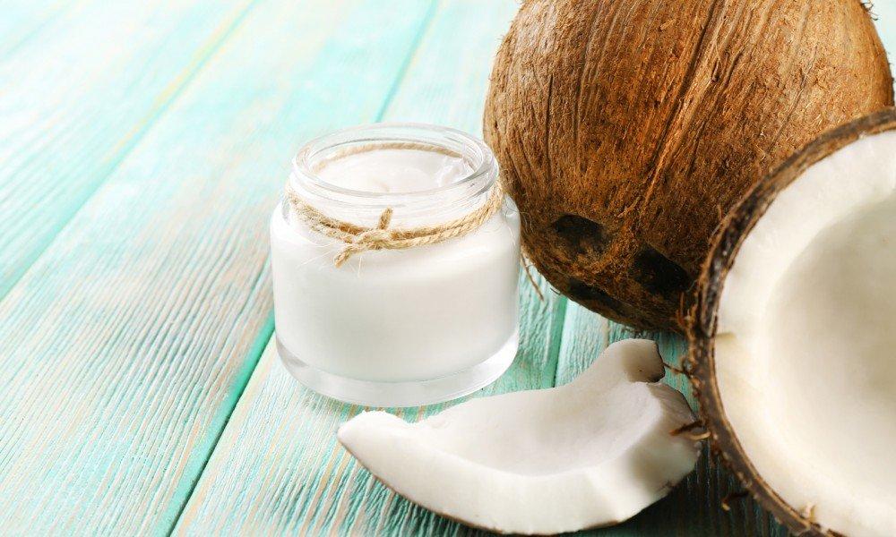 Кокосовое масло необходимо хранить исключительно в холодильнике