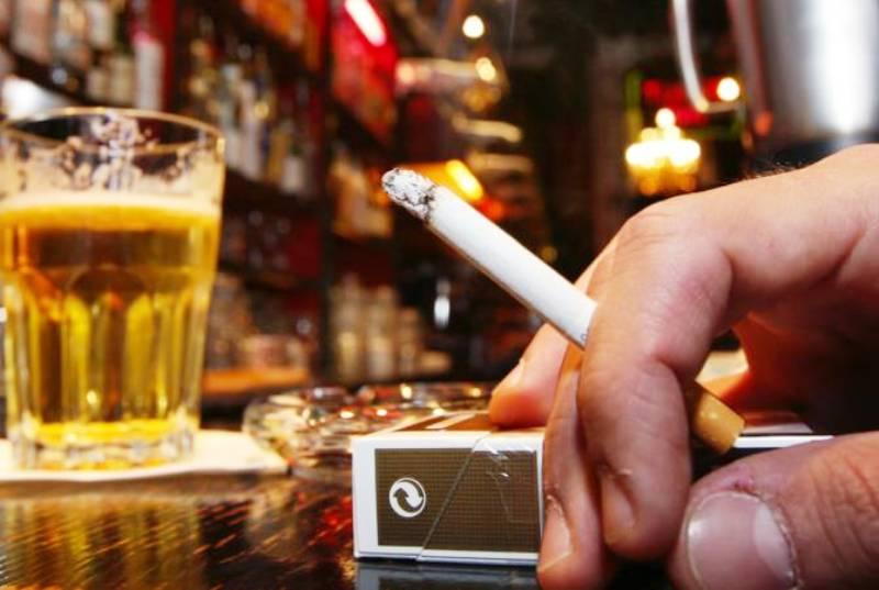 Злоупотребление сигаретами и спиртным