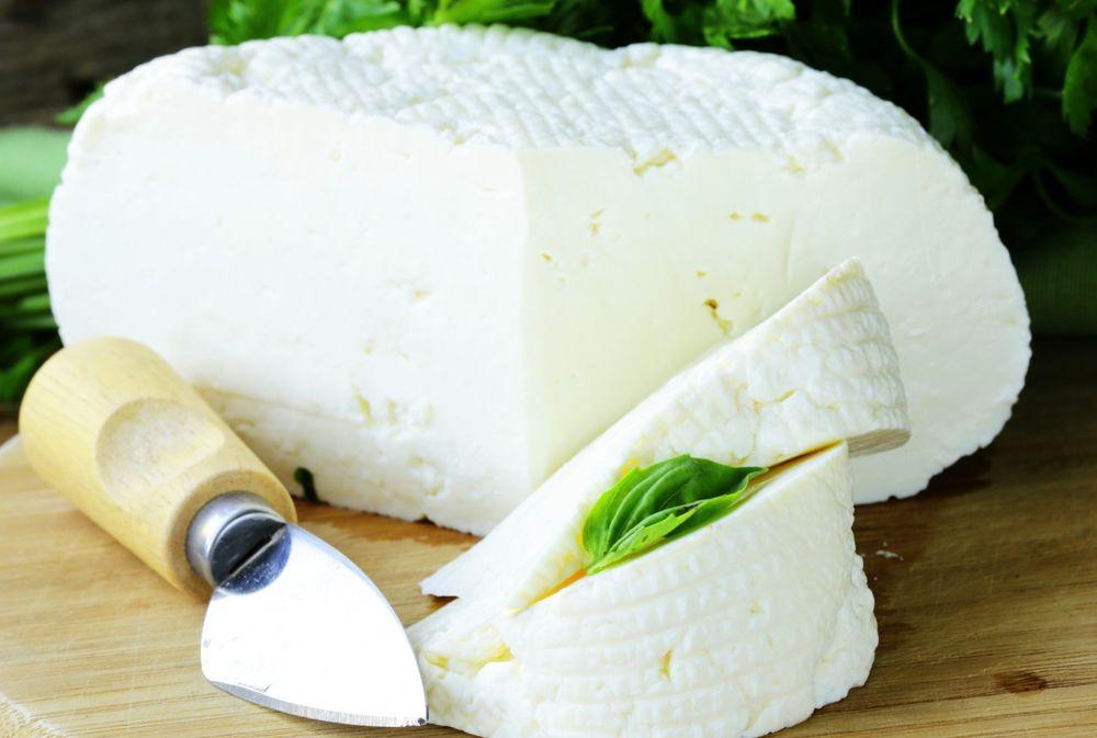 Сорта сыра бывают разные, поэтому и полезные свойства могут отличаться
