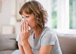 Почему при кашле отдает в голову и как снять болевой синдром