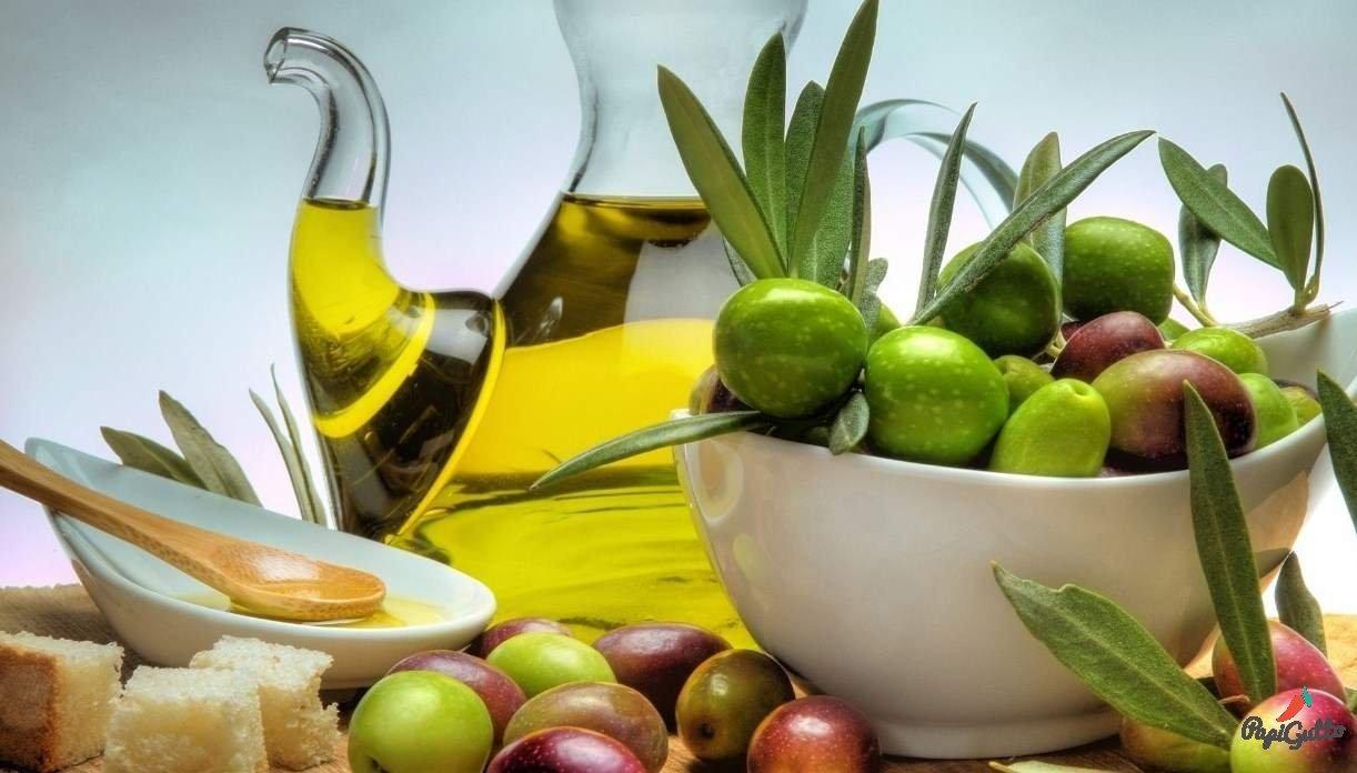 Самими распространенными сортами оливкового масла являются Extra Virgin, оливковое масло первого отжима, ароматизированное и рафинированное оливковое масло