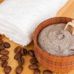 Очищение кожи скрабом перед эпиляцией