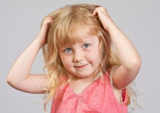 Ребенок ест волосы, что это значит?