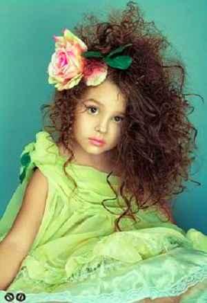 прическа на кудрявые волосы ребенку