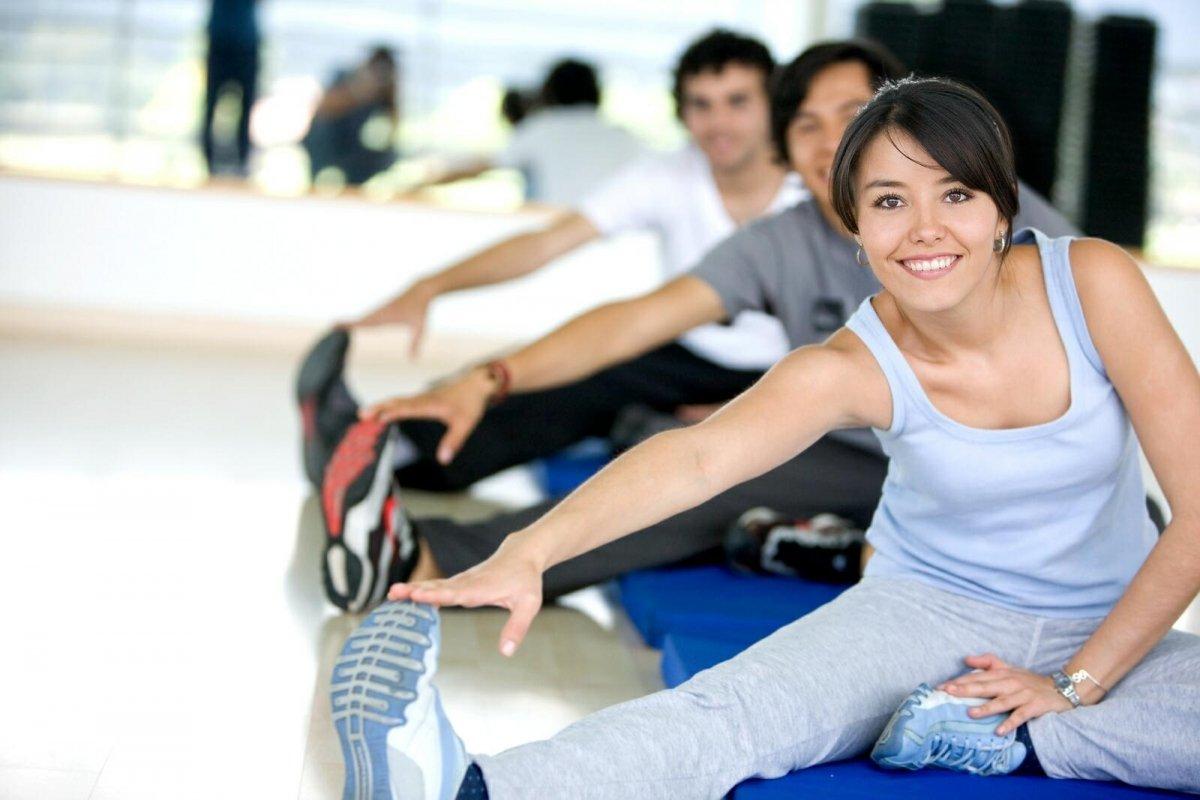 В состав физкультуры обязательно входят три части: разминка, основное занятие и заминка