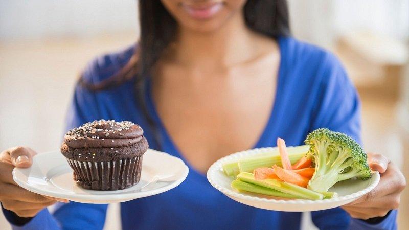 После срывов не нужно голодать или устраивать разгрузочный день, продолжайте питаться по утвержденному меню.
