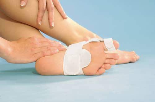 Защитите поврежденную кожу повязкой или пластырем